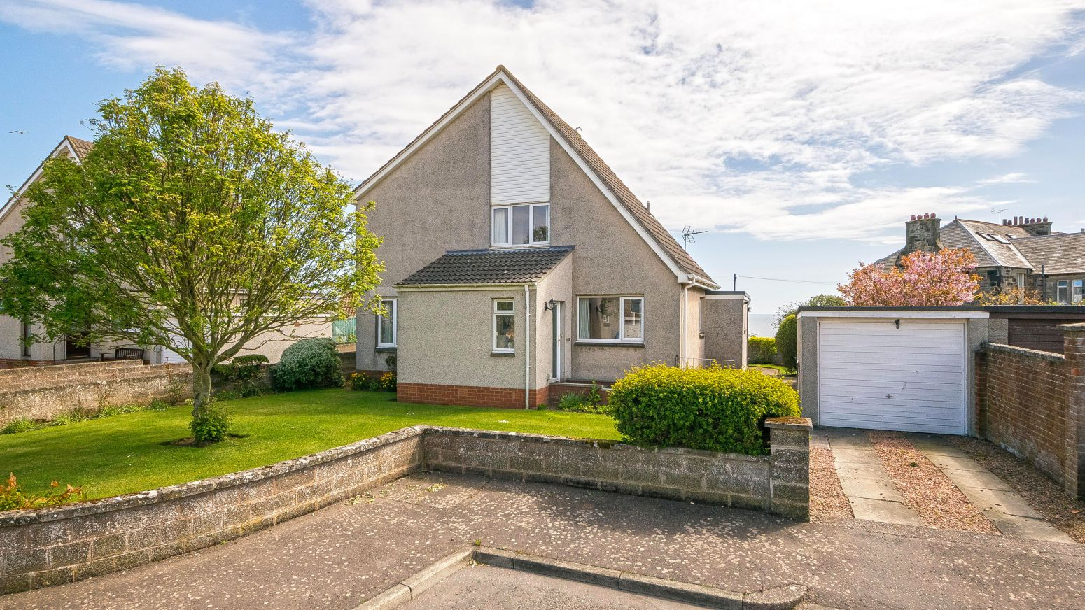 8 West Braes Crescent, Crail, KY10 3SY - Detached Under